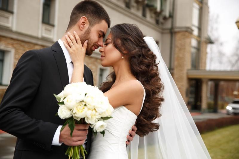 Amazing and Memorable Wedding Poses