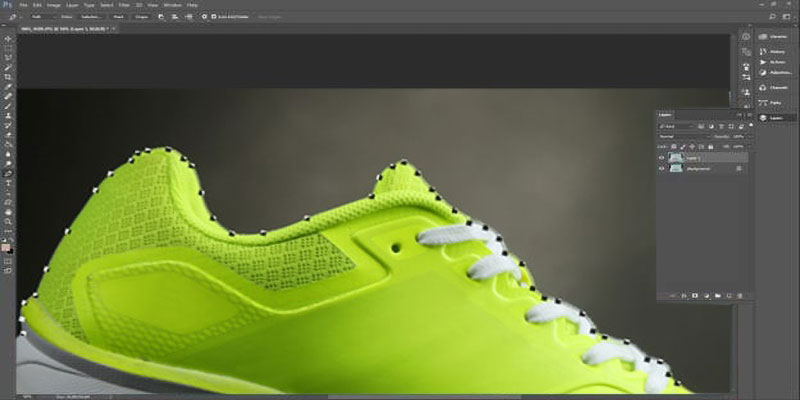 Create clipping path for footwear using pen tool