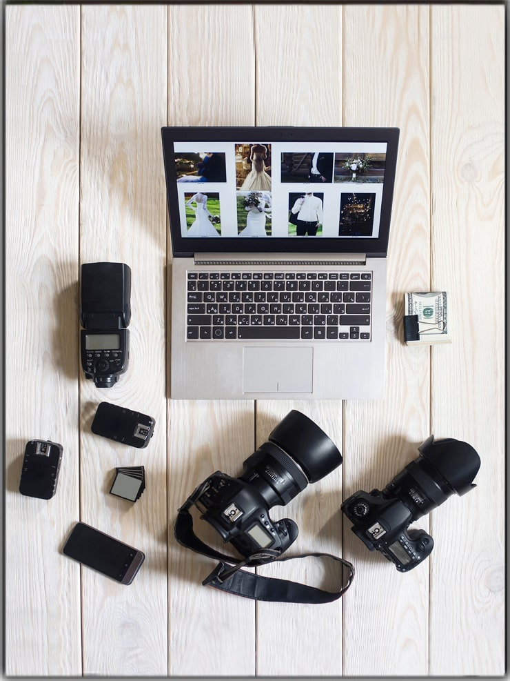 Make Money with Photography Through Offline