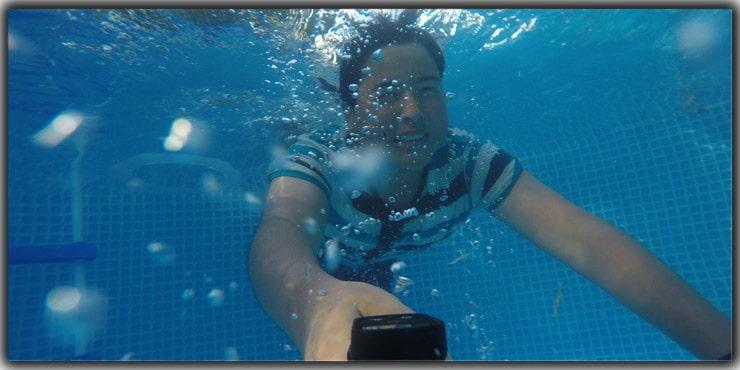 Click Underwater Selfies